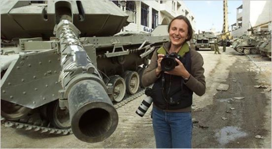 Alexandra Boulat in Iraq, 2003.  Photo by Jerome Delay.